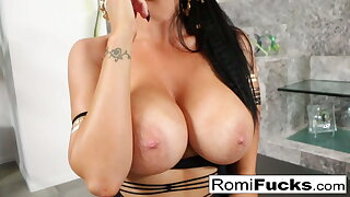 Romi makes Van's dick spooge all over her face