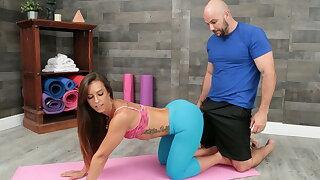 Trickery - Elastic Butt Yoga Educator Pulverizes her Student
