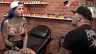 Behind the scenes with tattooed sweetheart Amber Luke