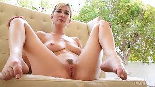 Big Tits, Long Legs and Short Hair of beautiful Skye Blue