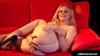 Stripper Mummy Julia Ann Finger Fucks Her Beautiful Twat!