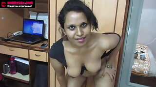 Hottest Indian Tamil Maid - Horny Lily Dirty Converse in Hindi