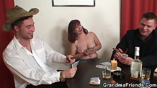 Hot grandma in stockings gets double penetration