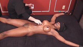 Fetish kittling with blindfolded black woman - Massive black tits
