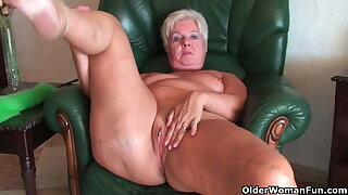 Bubble butt granny Sandie stretches old poon (compilation)