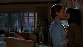 Jeanne Tripplehorn rough lovemaking with Michael Douglas from Basic Instinct