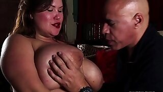 Stiffy hungry big tits BBW hottie gives an amazing blowjob