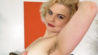 Quinn, Helix Vibrator Masturbation